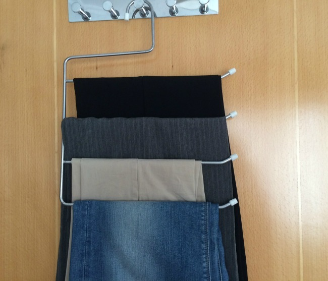 Tips para tener un armario pinterest for Perchas para colgar botas