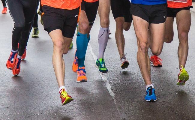 entrenador-corredores-carrera