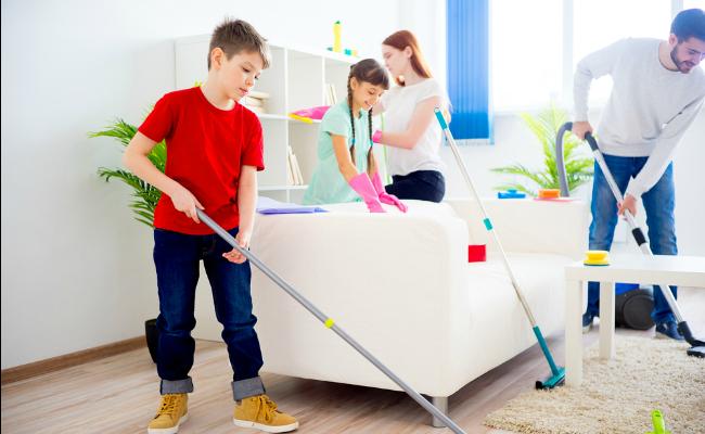 Corresponsabilidad familia limpiando