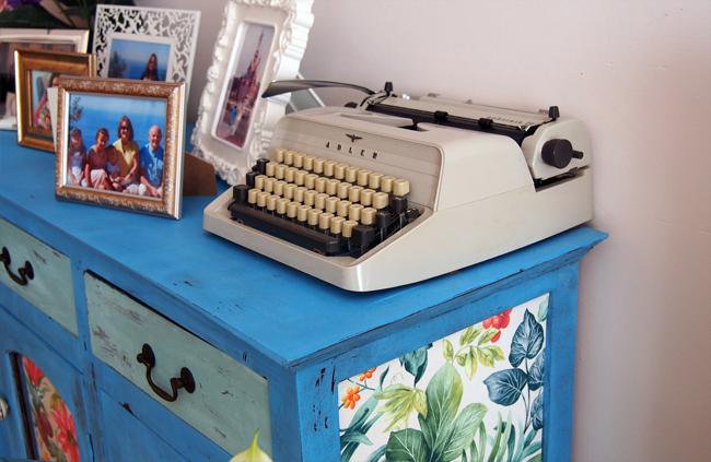 Dale un aire nuevo a tu casa con pintura y papel. Máquina de escribir Adler