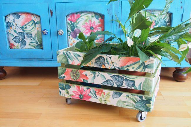 Dale un aire nuevo a tu casa con pintura y papel pintado